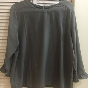 Beautiful gray Banana Republic blouse